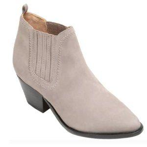 NWB Schutz Jacqueline ankle boots